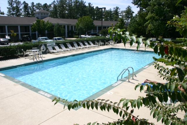 4  Resort Pool4